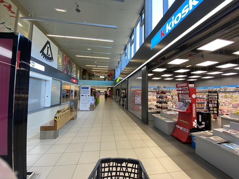 Store entrance coronus