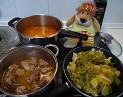 Sopa, pollo, judías verdes...Día 17. Ella se      lava y desinfecta periódicamente.