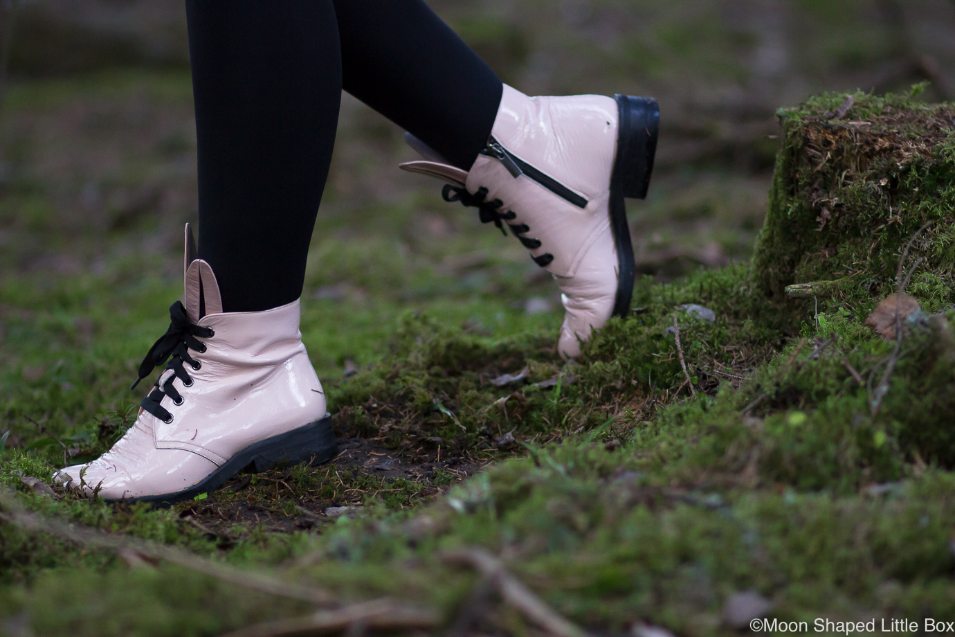 Minna-Parikka-Bunny-boots-powder