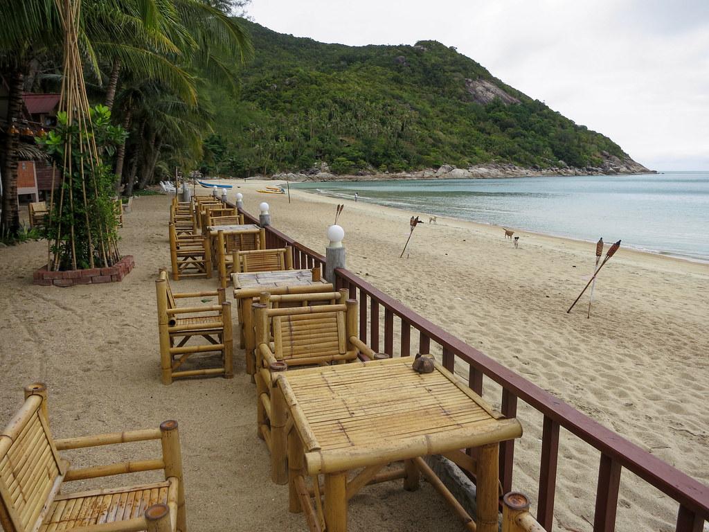 beachfront bars and restaurant