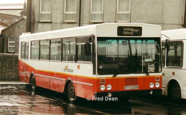Bus Eireann KR209 (87D2209).
