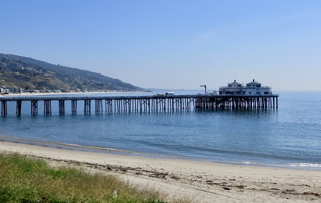 malibu pier and surfrider beach, empty