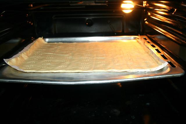 29 - Teig im Ofen vorbacken / Pre-bake in oven