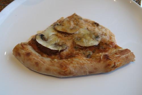 mein Viertel der Pizza mit Champignons