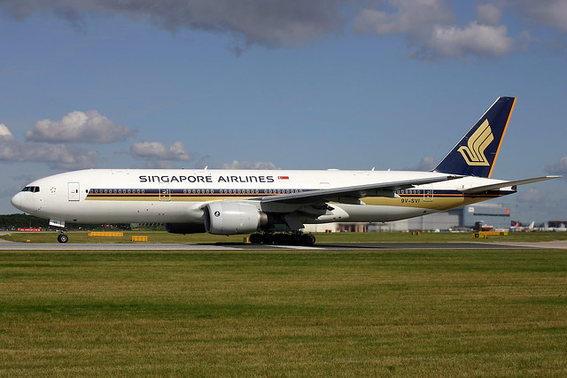 9V-SVI Singapore Airlines Boeing 777-212(ER) at Manchester Ringway Airport on 7 August 2005