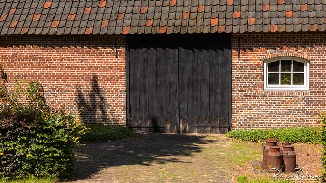 Barn Doors and old Milk Cans (DDD/TDD)