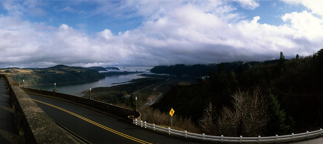 The Columbia Gorge from Crown Point, Panorama