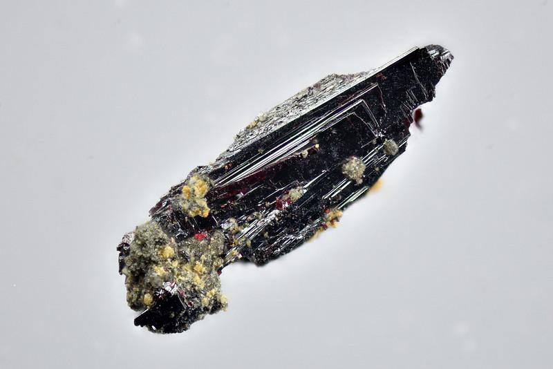 リビングストン鉱 / Livingstonite