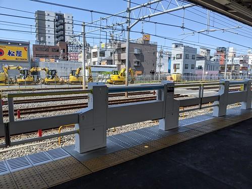 202004 蕨駅ホームドア