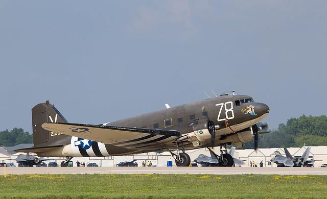 N3239T DC-3, Oshkosh