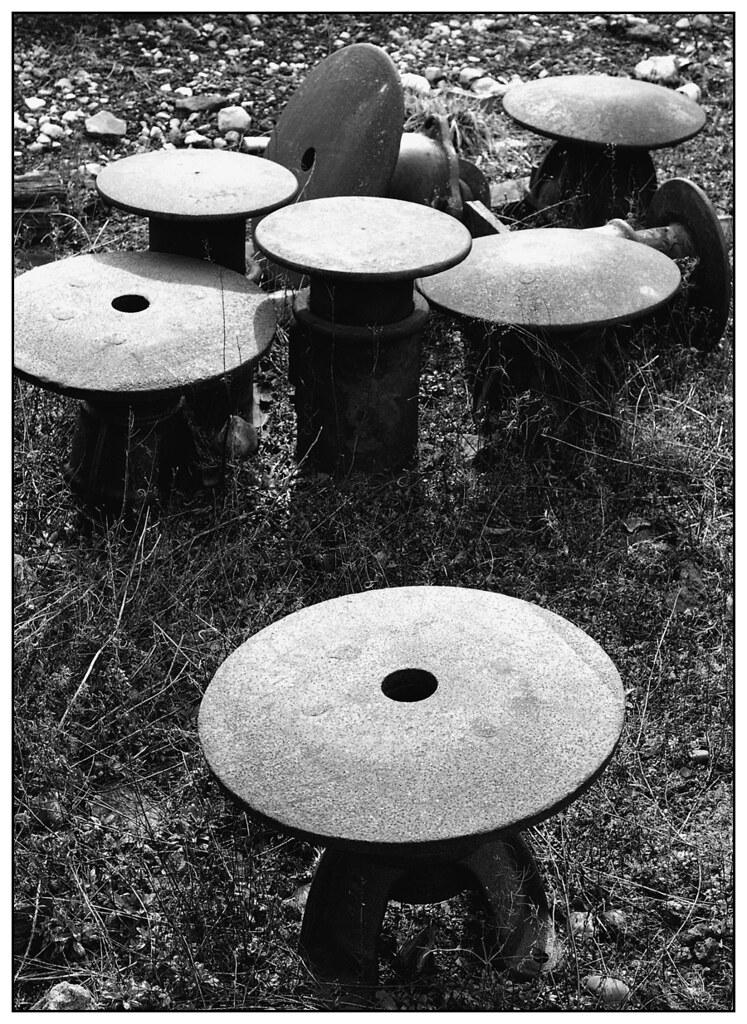 1982-0186 - Metal mushrooms - buffers at Carnforth.