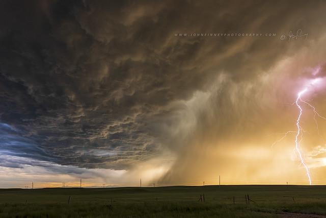 Mushroom cloud lightning.
