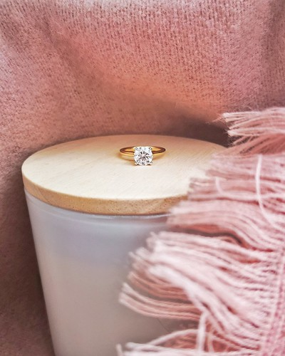 Round-brilliant-ut-lab-grown-diamond-solitaire-engagement-ring-dublin-ireland-jewellers-commins-and-co
