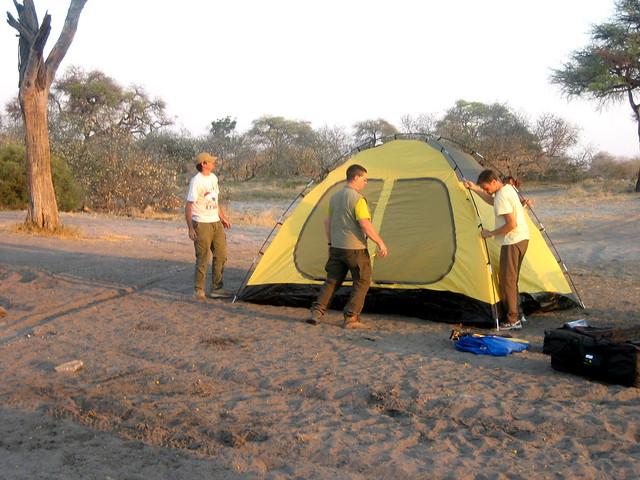 Botswana-montaggio-tenda