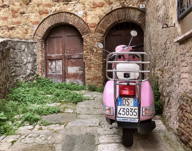 Le scooter rose