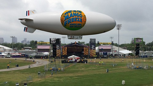 The Mango Freeze blimp dwarfs the Acura Stage.