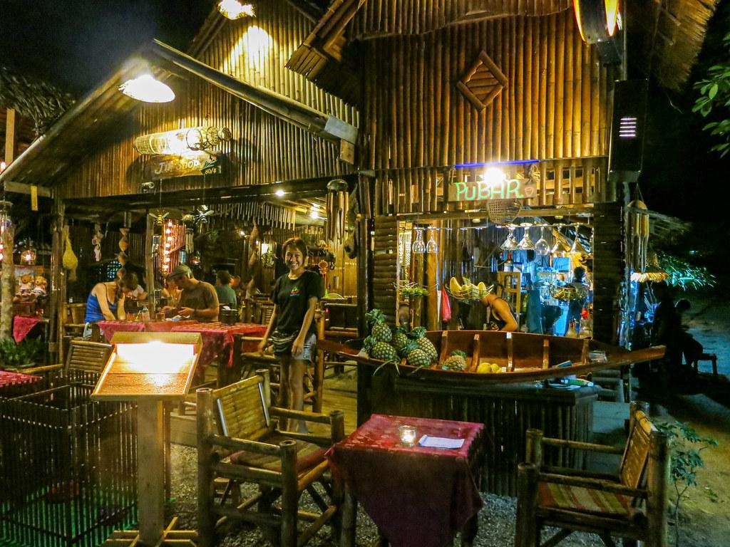 Restaurant in Thong Nai Pan Noi beach