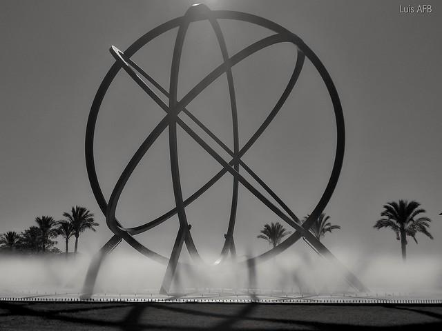 Atom fountain / Fuente del átomo