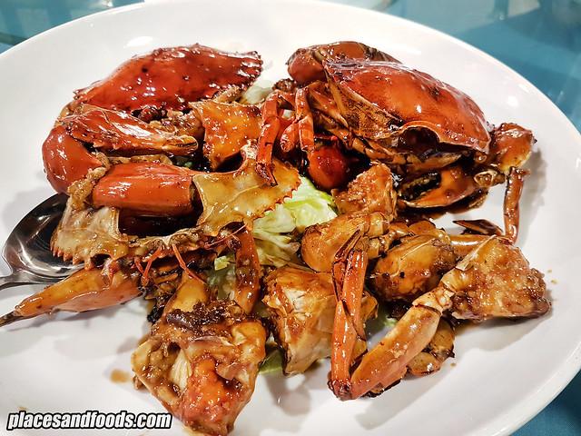 pantai seafood restaurant marmite crabs