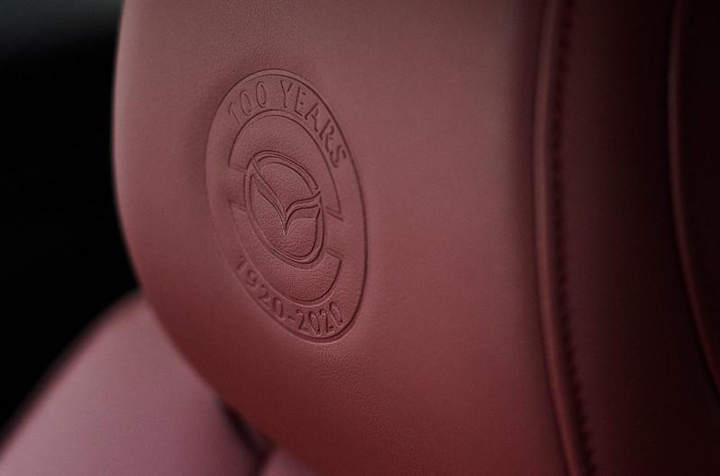 2020_100thSV_BRD11_EU_LHD_Mazda3_Seat_Emboss_L