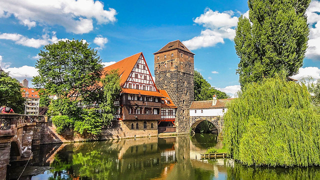 Henkersteg Bridge / Pegnitz River