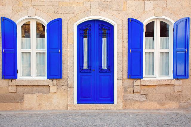 Alaçatı'da Kapı ve Panjurlar