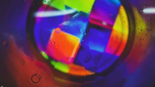 colours macro waterbubble