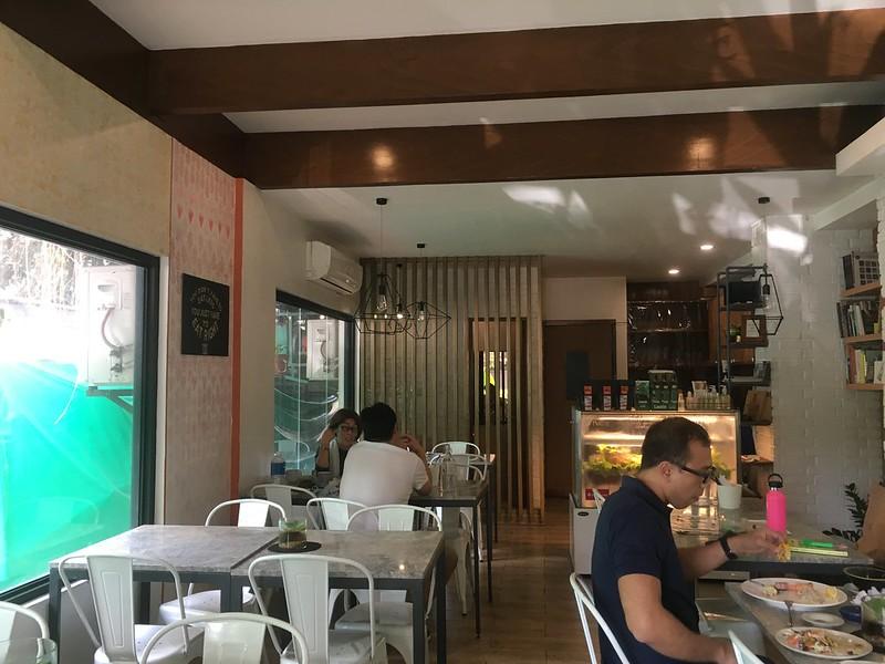 Hillside Cafe, Tomas Morato