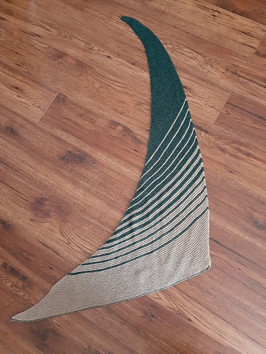 Jocelyne knit this simple garter shawl from a kit