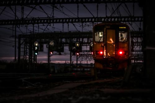 153370 leeds class153 northern railway train station night dark 2m22