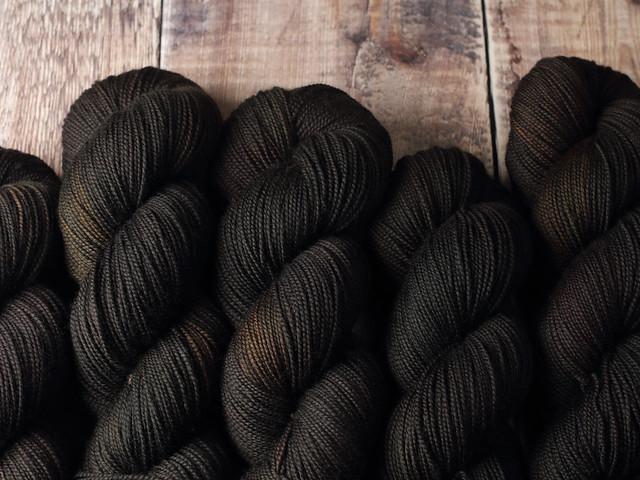 Favourite Sock – pure Merino 4 ply/fingering weight wool superwash hand dyed yarn 100g – Treacle (dark brown)