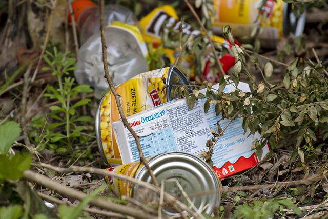 Vuilnis van sportvissers-Garbage from anglers