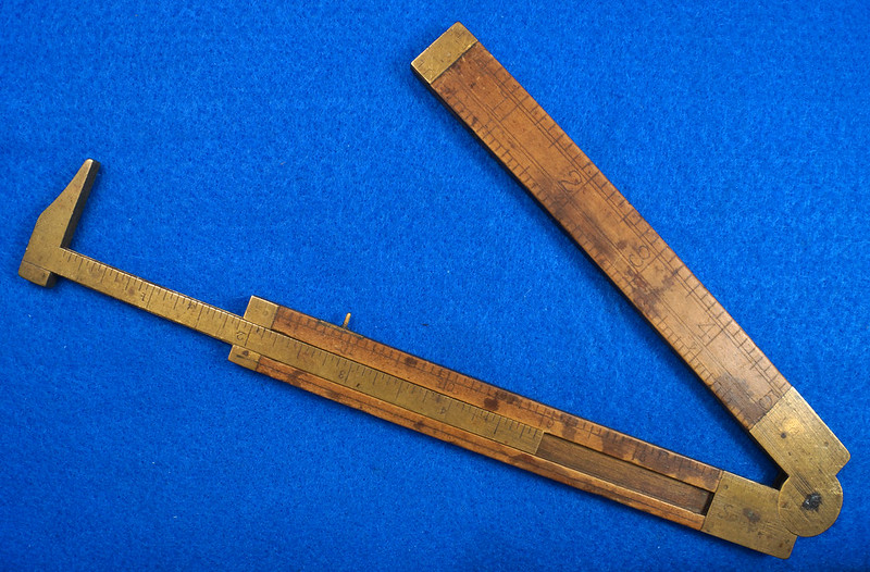 RD21748 Vintage Stanley Number 36 ½ Boxwood & Brass Fold Out Ruler With Calipers DSC02163