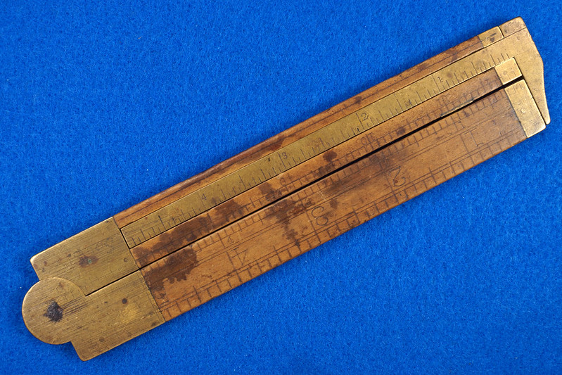 RD21748 Vintage Stanley Number 36 ½ Boxwood & Brass Fold Out Ruler With Calipers DSC02162