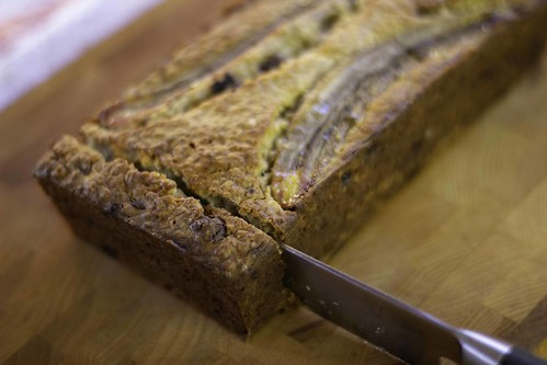 Banana Bread slicing