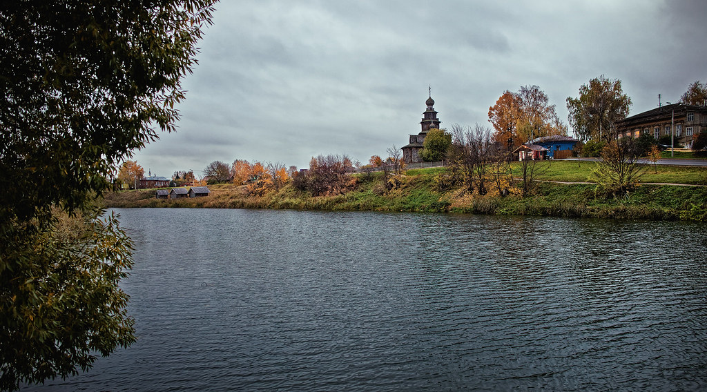 Autumn evening in the Russian province