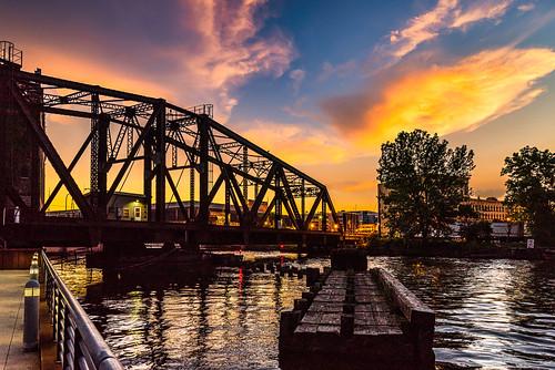 night usa movablebridge nikon bridge water city cityscape milwaukee urban june canadianpacific mke wisconsin menomoneeriver cprailway d750 rail train 2016 railroad unitedstatesofamerica