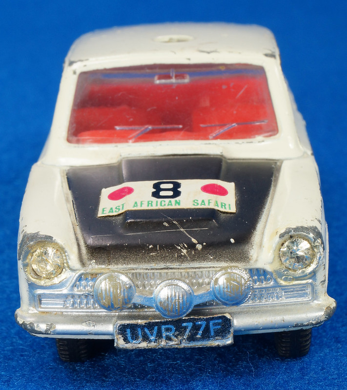 RD28104 1965-70 Dinky Toys 212 Ford Cortina East African Safari Rally England 1-43 DSC02212