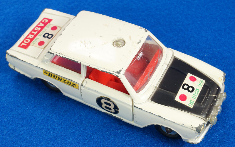 RD28104 1965-70 Dinky Toys 212 Ford Cortina East African Safari Rally England 1-43 DSC02208