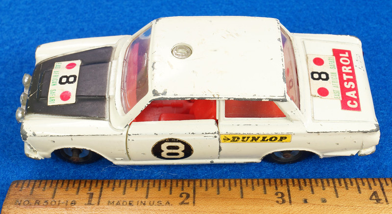 RD28104 1965-70 Dinky Toys 212 Ford Cortina East African Safari Rally England 1-43 DSC02206