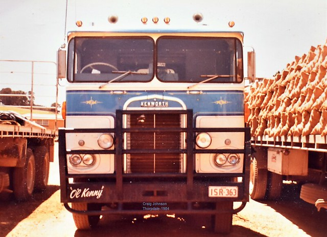OL-Kenny Lines up for spuds at Thorpdale 1984