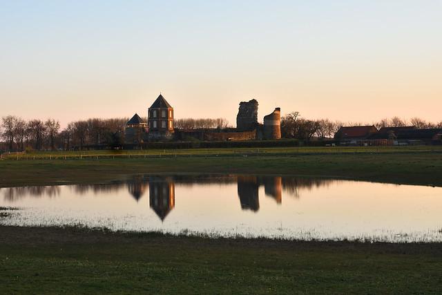Montfort Castle in the evening (1).