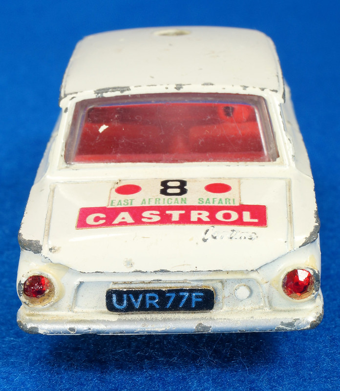 RD28104 1965-70 Dinky Toys 212 Ford Cortina East African Safari Rally England 1-43 DSC02213