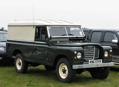 Land Rover Defender 109
