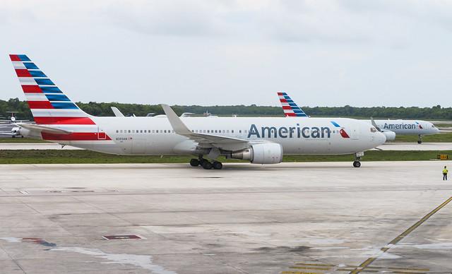 American Airlines B767-300ER(WL) N393AN 002