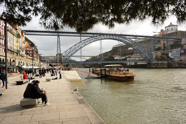 On the banks of Douro river and its bridges