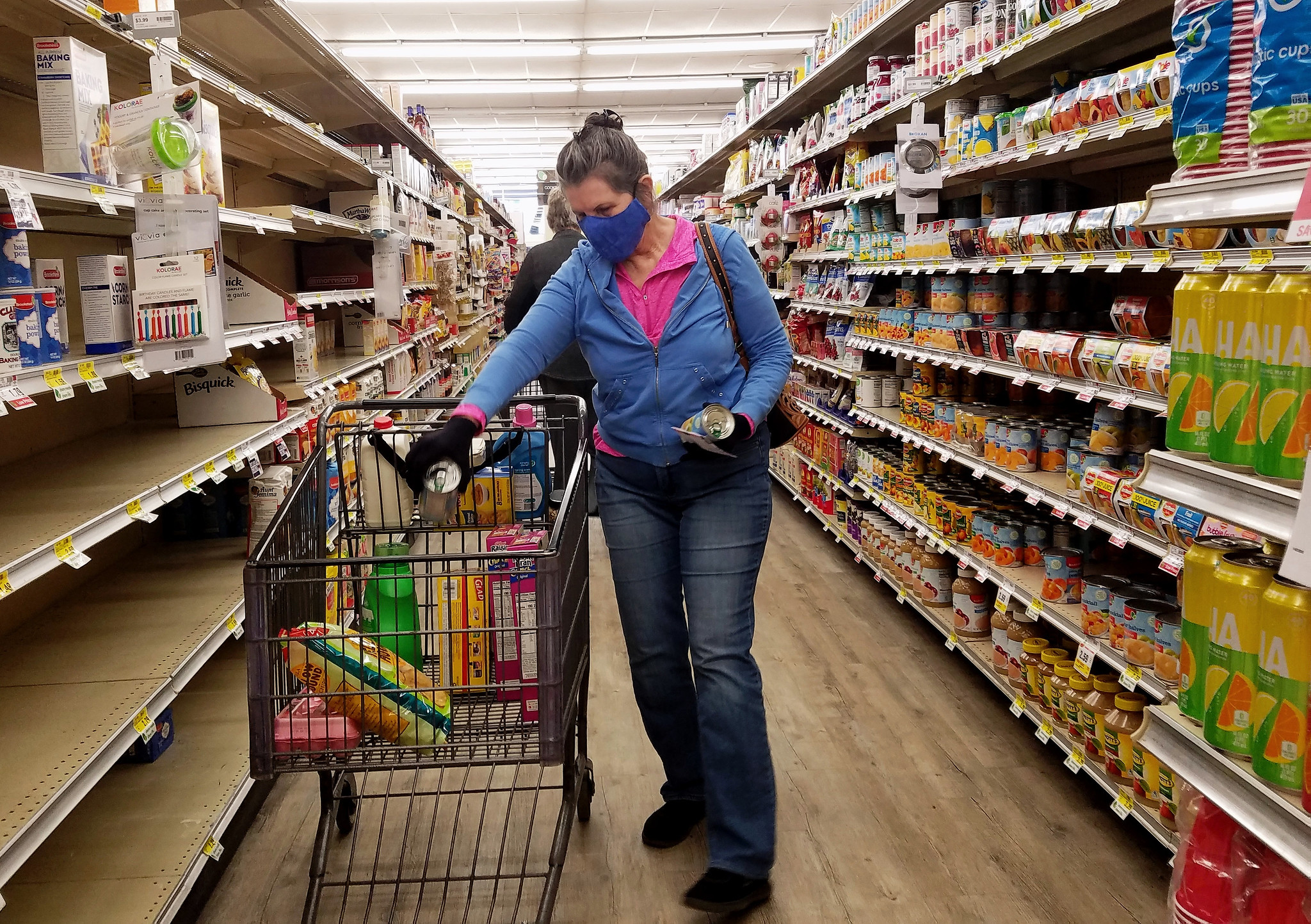 COVID-19 cautious shopper: fear is contagious even in the heart of Trumpistan