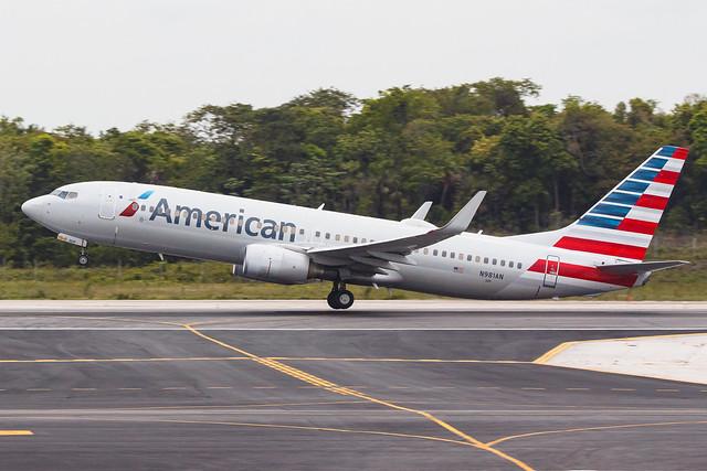 American Airlines B737-800(WL) N981AN 003