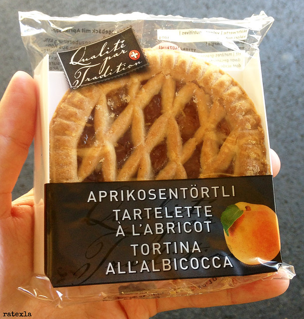 20170717_i4 Adorkable vegan little apricot pie found in train station shop in Bellinzona, Switzerland