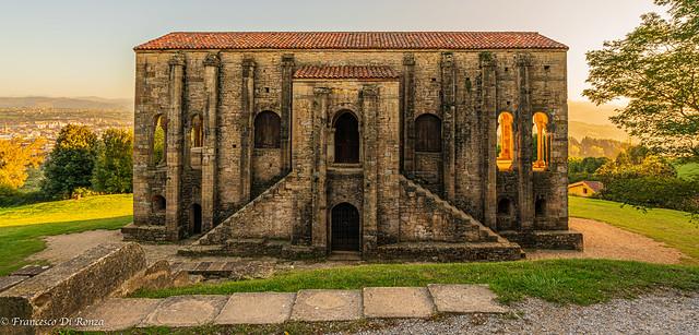 Iglesia de Santa Maria del Naranco .)1910/6086